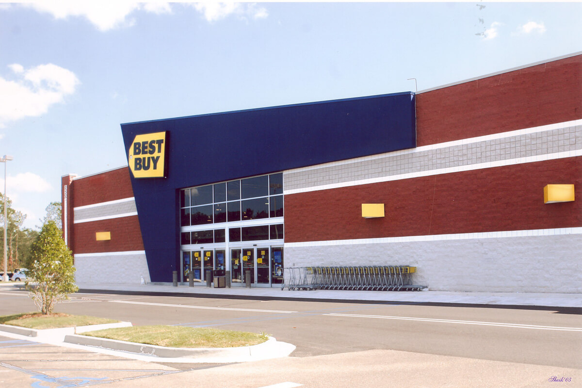 "Best Buy mission statement is: ""We're a growth company focused on better solving the unmet needs of our customers—and we rely on our employees to solve those puzzles."""